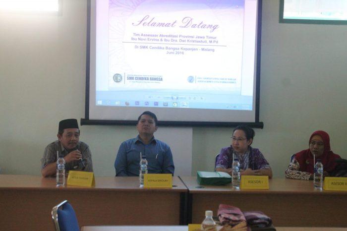Pembukaan Akriditasi SMK Cendika Bangsa Kepanjen - sambutan ketua Yayasan Perguruan Tinggi Islam Raden Rahmat Dr. Moh. Hanief